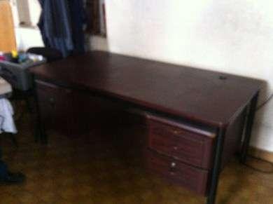 Vends bureau en bois foncé doccasion accessoires de bureau