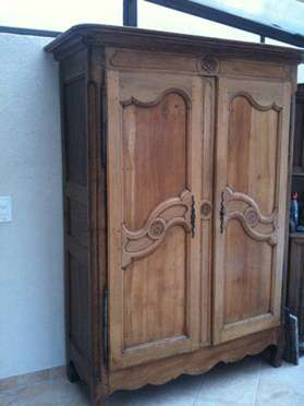 armoire ancienne a vendre armoires buffets. Black Bedroom Furniture Sets. Home Design Ideas