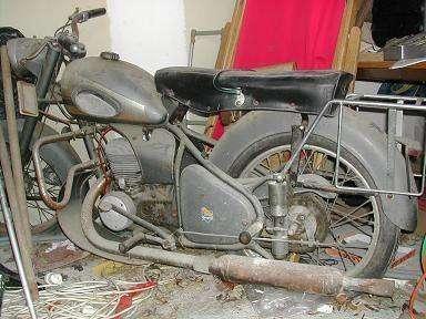 ancienne motos oldtimer paves etc autres. Black Bedroom Furniture Sets. Home Design Ideas