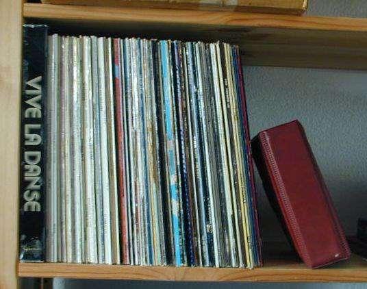 grosse schallplattensammlung 120 vinyl platten 60er 80er j vinyles. Black Bedroom Furniture Sets. Home Design Ideas