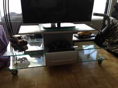 Meuble Tv état Neuf En Verre Avec Roulettes 1 Tiroir