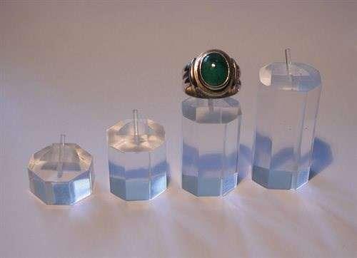 pr sentoirs professionnels pour bijoux services professionnels. Black Bedroom Furniture Sets. Home Design Ideas