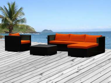 Salon de jardin avec coussins orange