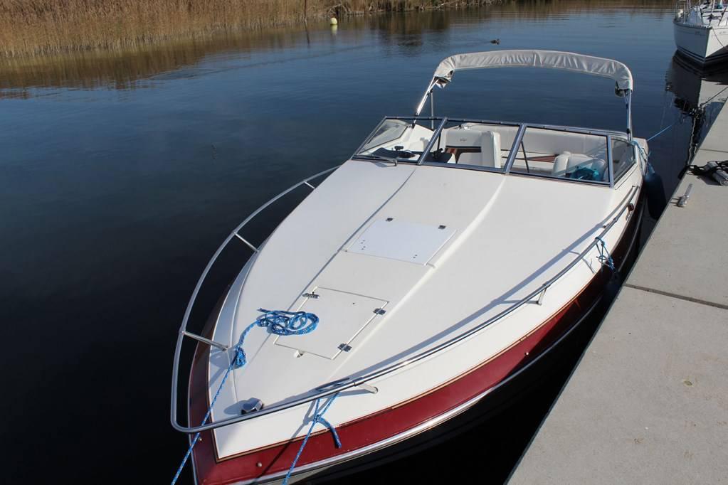 bateau moteur vendre wellcraft eclipse bateaux moteurs. Black Bedroom Furniture Sets. Home Design Ideas
