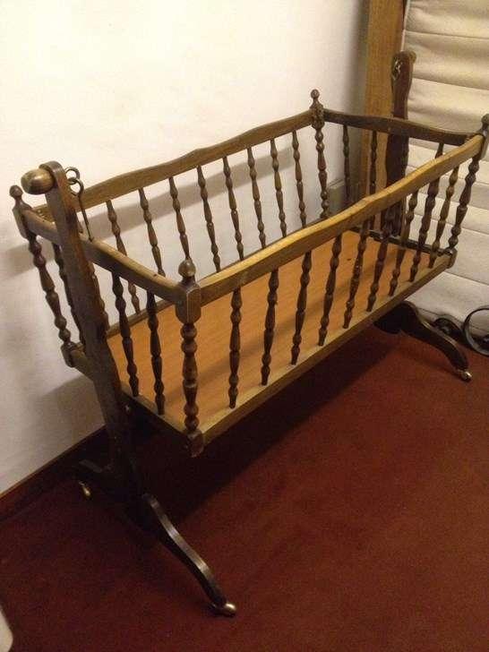 berceau en bois berceaux. Black Bedroom Furniture Sets. Home Design Ideas