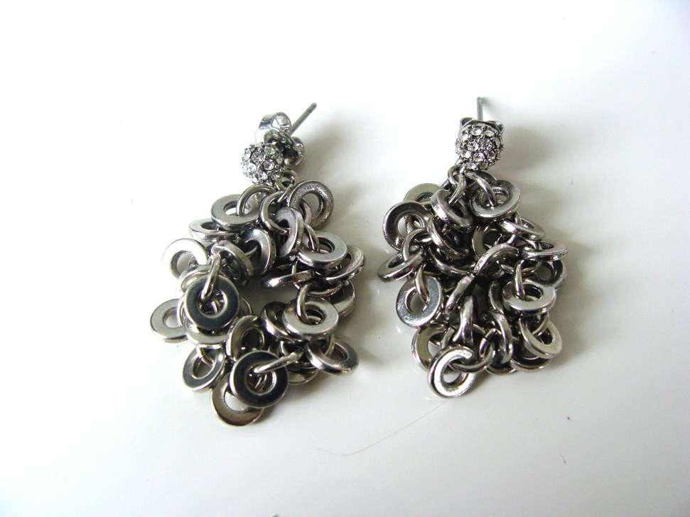 Bijoux Fantaisie Suisse : Belles boucles d oreille en argent avec des brillants