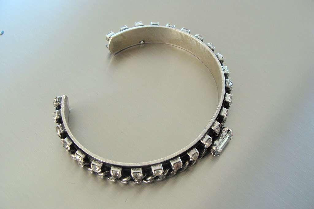 Bijoux Fantaisie Suisse : Magnifique bracelet argent? et pe brillants neuf