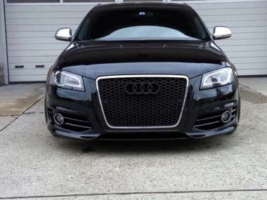 Audi RS3 Logo noir brillant calandre
