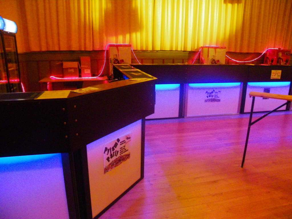 Bartheken mit LED Beuchtung - Catering & Partyservice