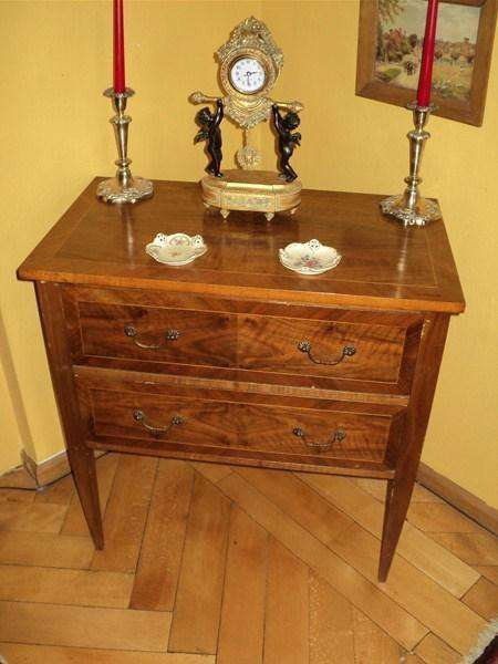 commode petite directoire noyer commodes anciennes. Black Bedroom Furniture Sets. Home Design Ideas