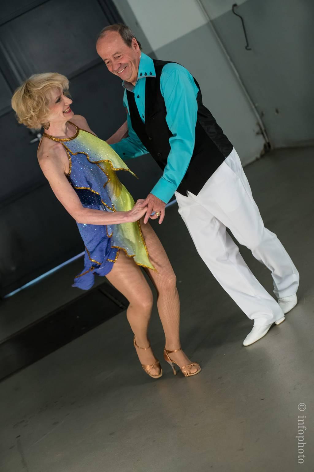 Cours hebdo danses de salon et tango argentin montreux for Recherche partenaire de danse de salon