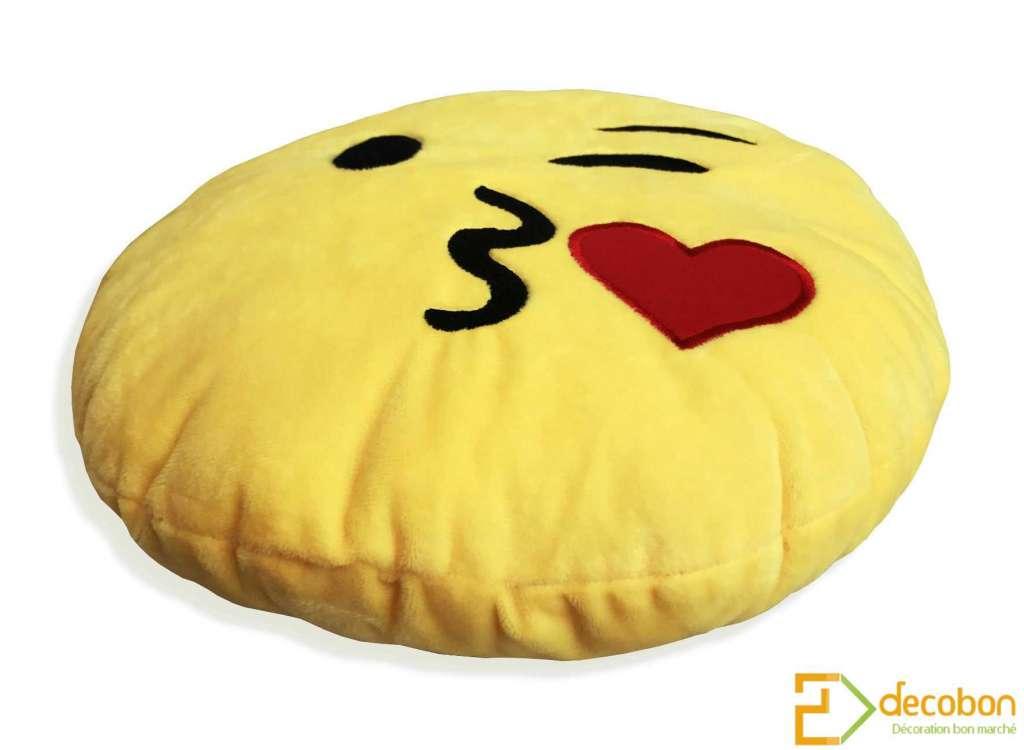 Coussin Peluche Smiley Emoji Jaune Tout Doux Bisou Coeur
