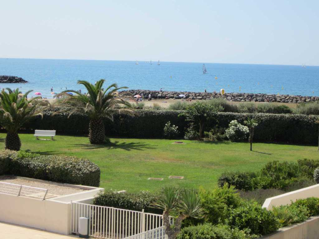 Appartement cap d 39 agde face mer piscine plage rochelongue for Piscine cap d agde