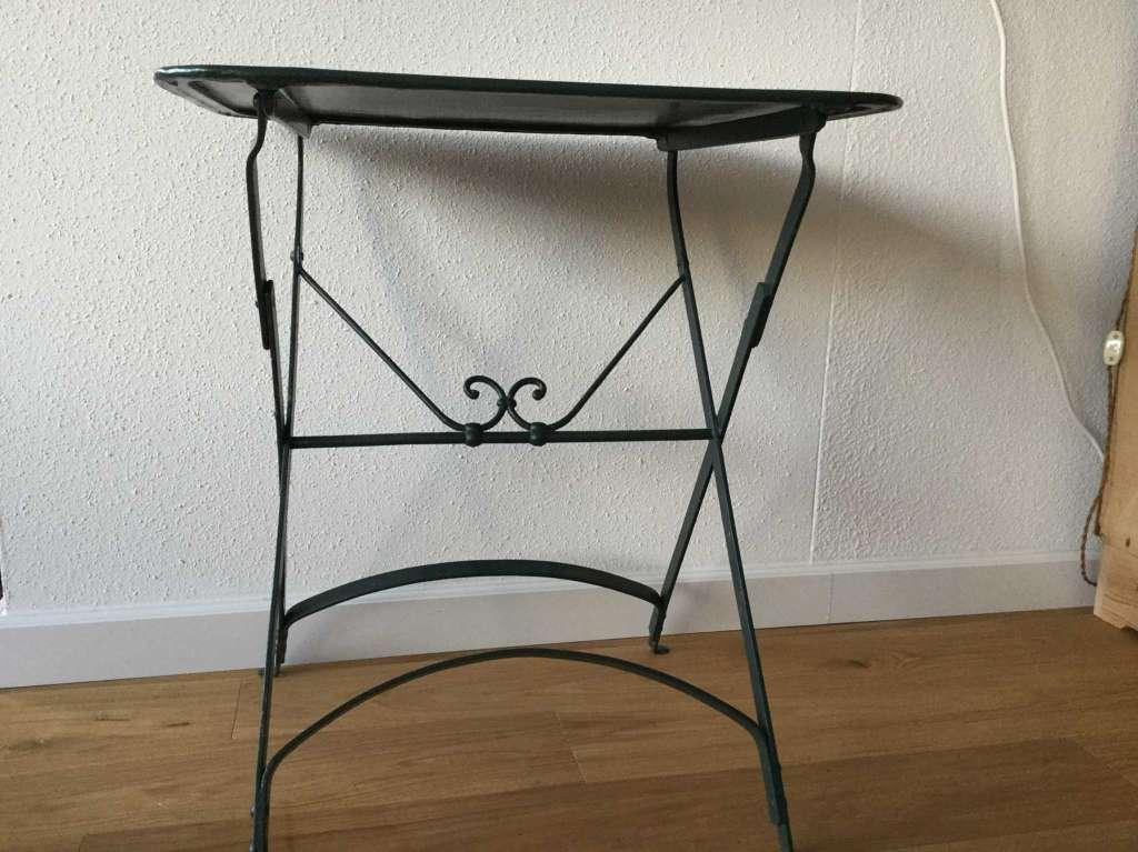 Ancienne petite table de jardin rectangulaire pliable - Handwerk ...