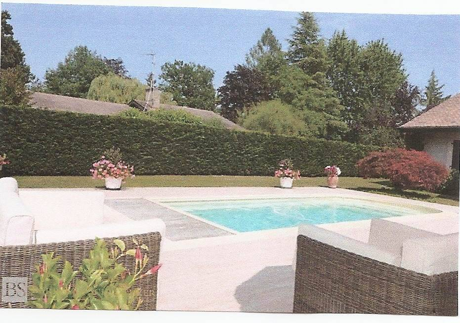 particulier vend grande villa avec grand jardin rive gauche genf. Black Bedroom Furniture Sets. Home Design Ideas