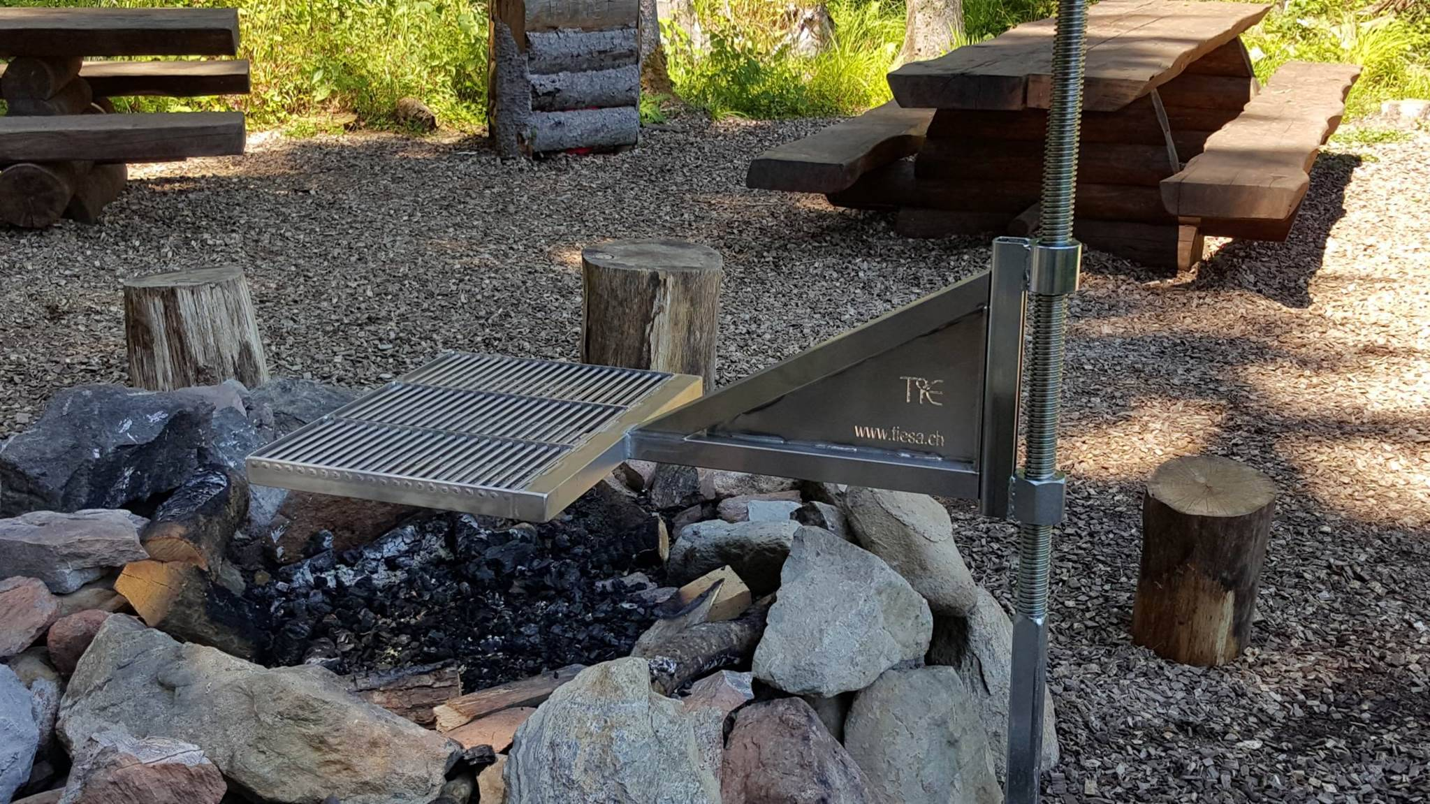 plancha inox grill feu de bois holz feuer inox grill. Black Bedroom Furniture Sets. Home Design Ideas