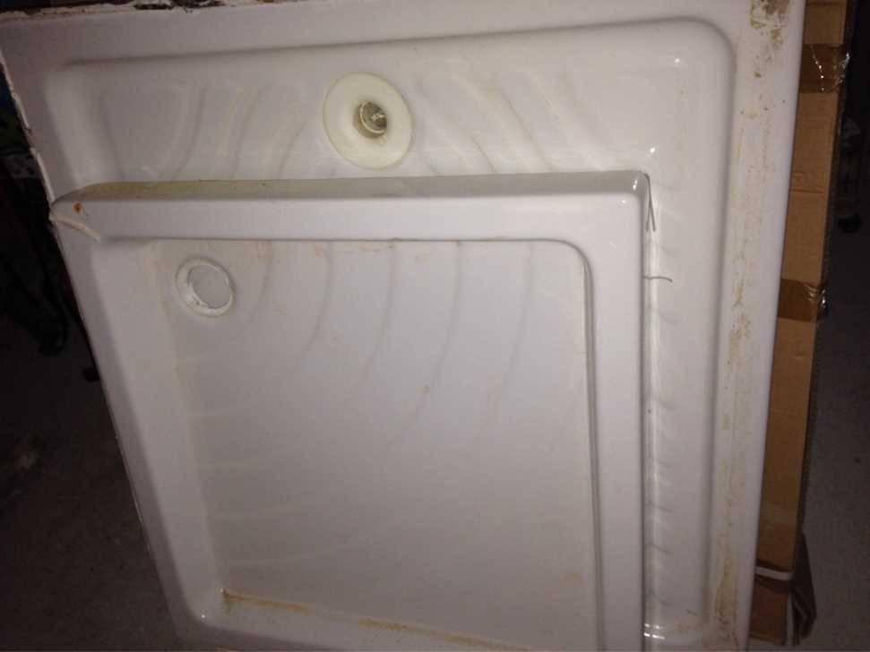 lavabo bac a douche porte de douche radiateurs installations sanitaires. Black Bedroom Furniture Sets. Home Design Ideas