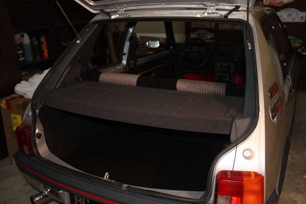 plage arri re peugeot 205 gti rallye int rieur. Black Bedroom Furniture Sets. Home Design Ideas