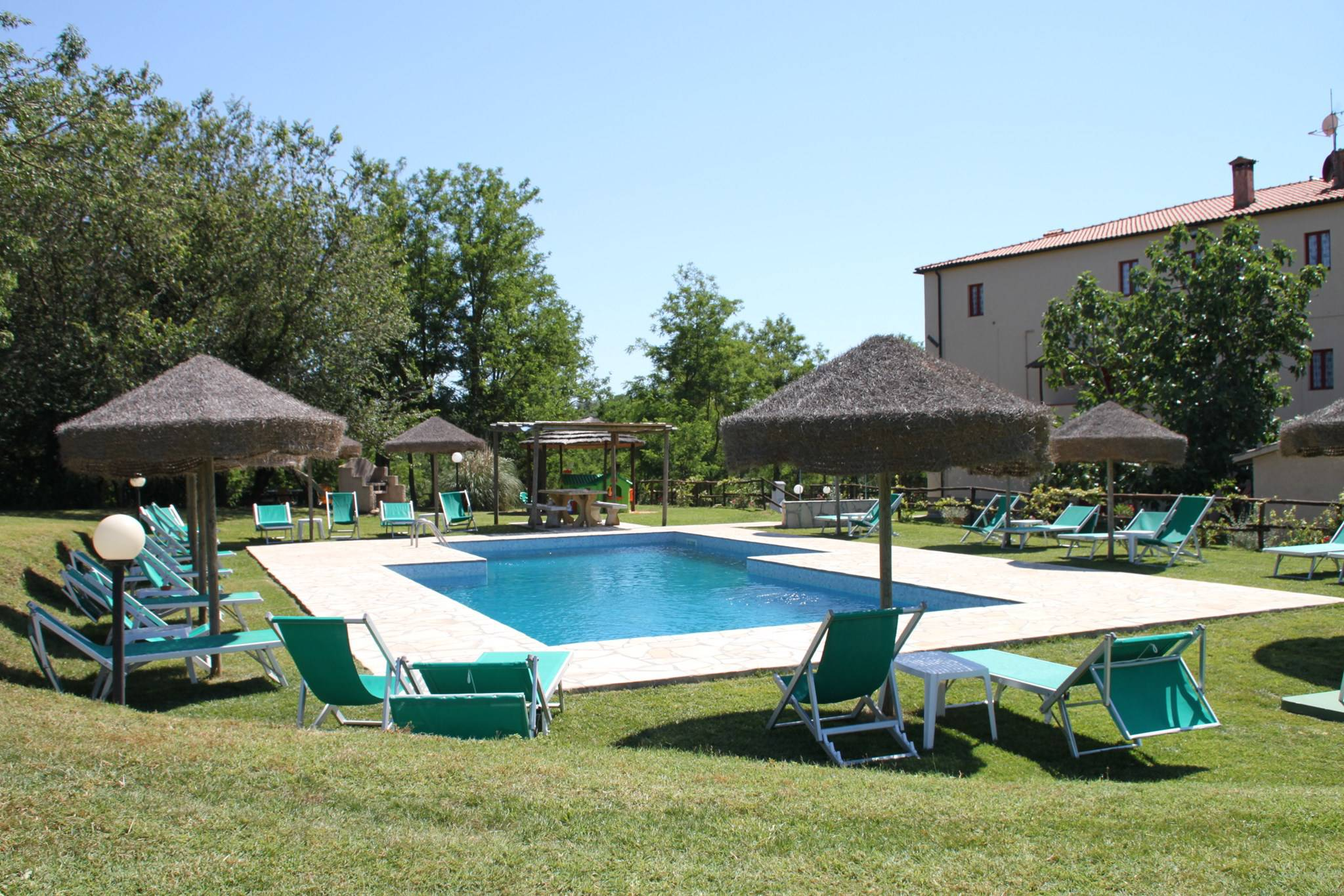 Toscane aupres de la plage ferme piscine parc italie for Location maison piscine italie