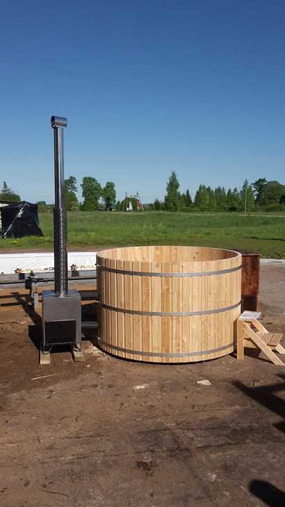 bain nordique en meleze pour 6 personnes poele bois. Black Bedroom Furniture Sets. Home Design Ideas