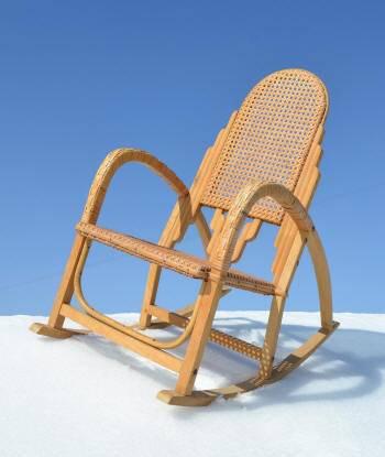 mobilier de petite enfance vintage chaises tables berceaux jouets anciens. Black Bedroom Furniture Sets. Home Design Ideas
