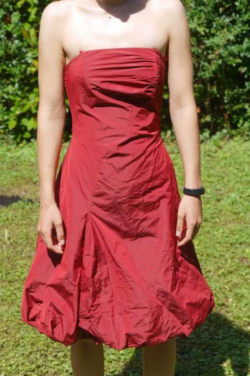 Elegantes VERA MONT Kleid in kirschrot