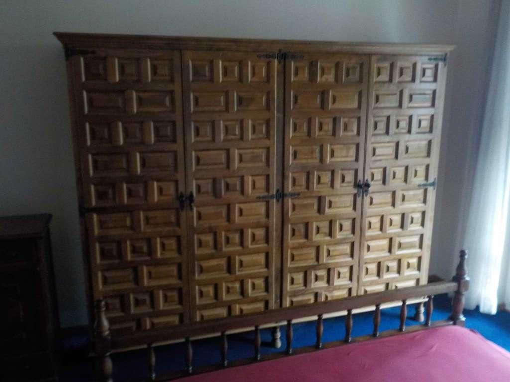 Chambre à coucher complète style castillan SOLDEE 300.- - Komplettes ...