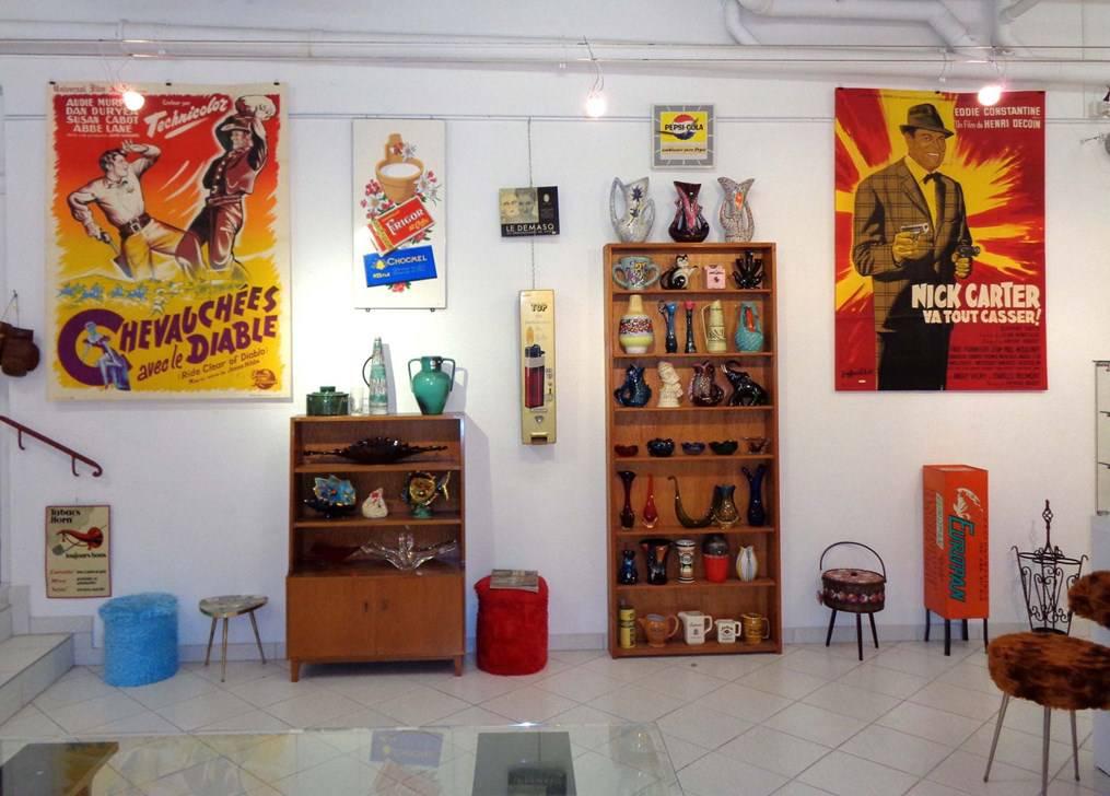 brocante vintage petits meubles et objets 1950 1980 mobilier accessoires anciens. Black Bedroom Furniture Sets. Home Design Ideas