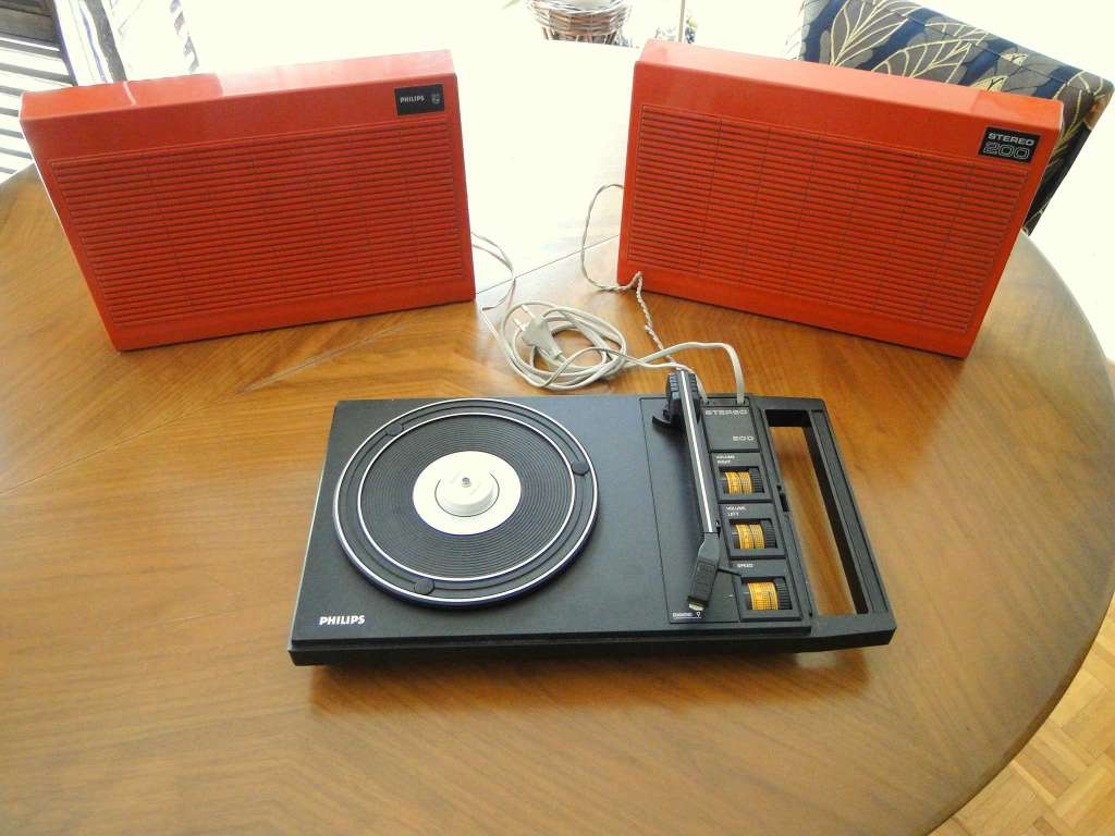 platine tourne disque philips st r o 200 1970 orange platines tourne disques. Black Bedroom Furniture Sets. Home Design Ideas