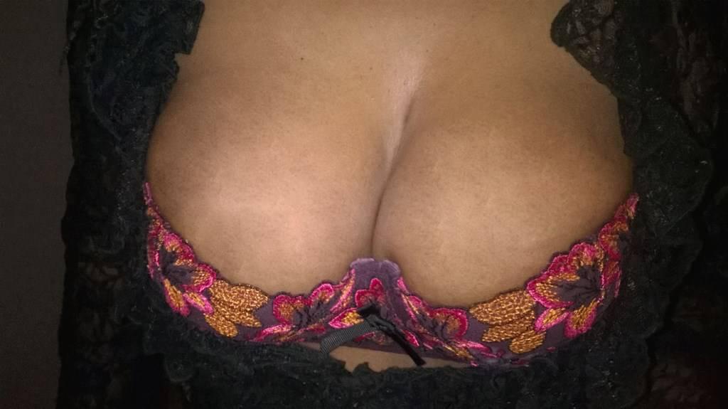 femme à gros seins escort joinville