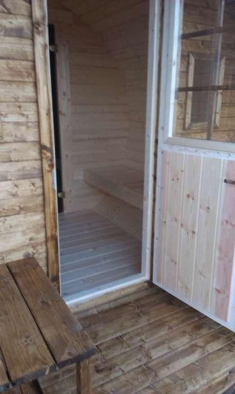 Sauna 3 pieces piece sauna vestiaire et douche sauna for Sauna exterieur avec douche