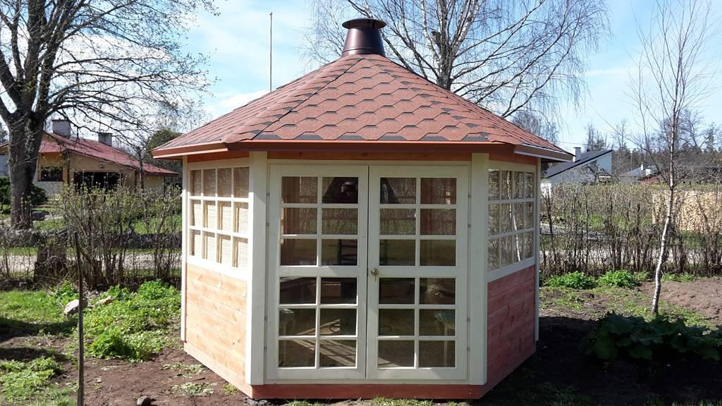 Chalet grill de 9 5m2 murs demi rondins et table granit for Chalet de jardin 5m2