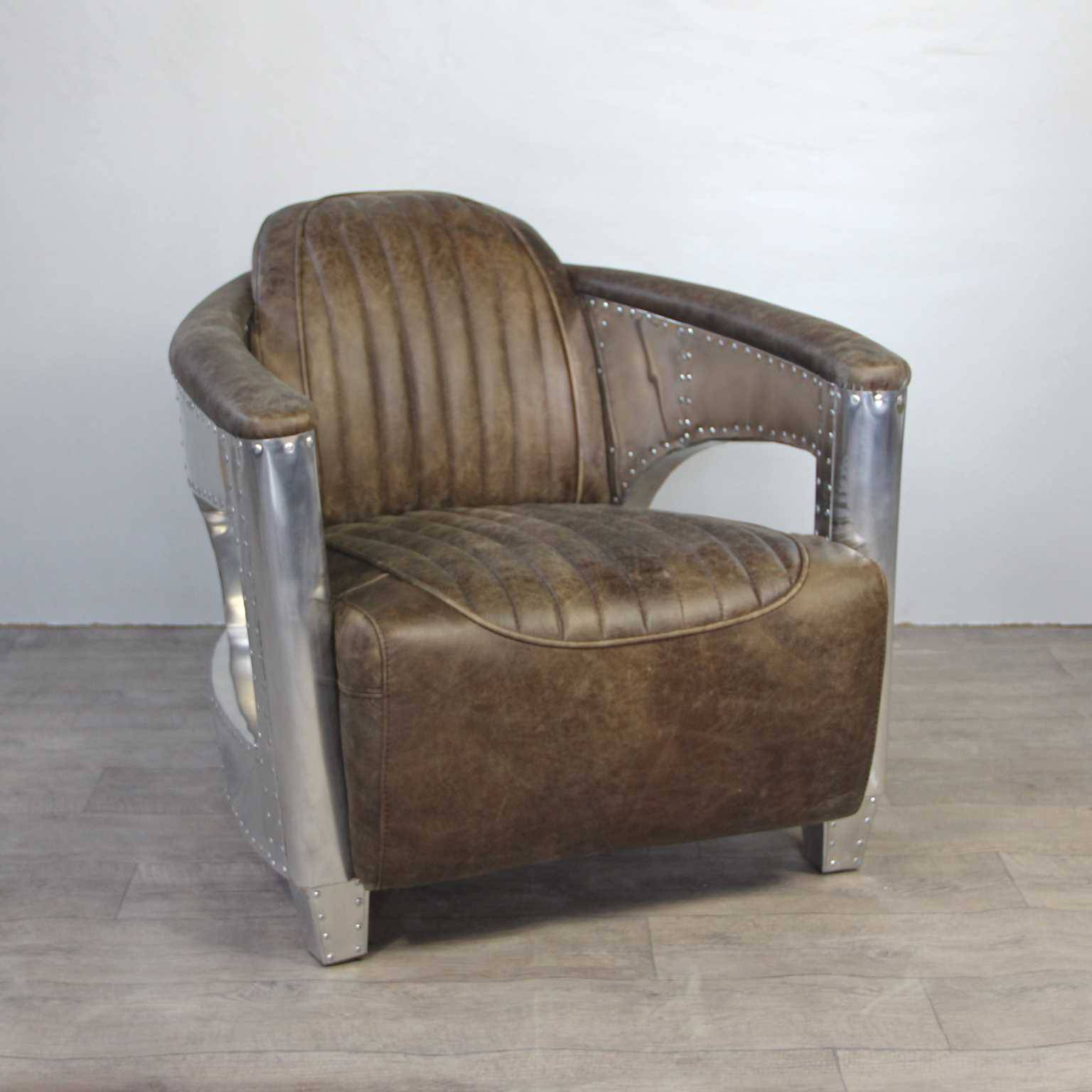 canap chesterfield cuir fauteuil cuir sofas canap s d 39 angle. Black Bedroom Furniture Sets. Home Design Ideas
