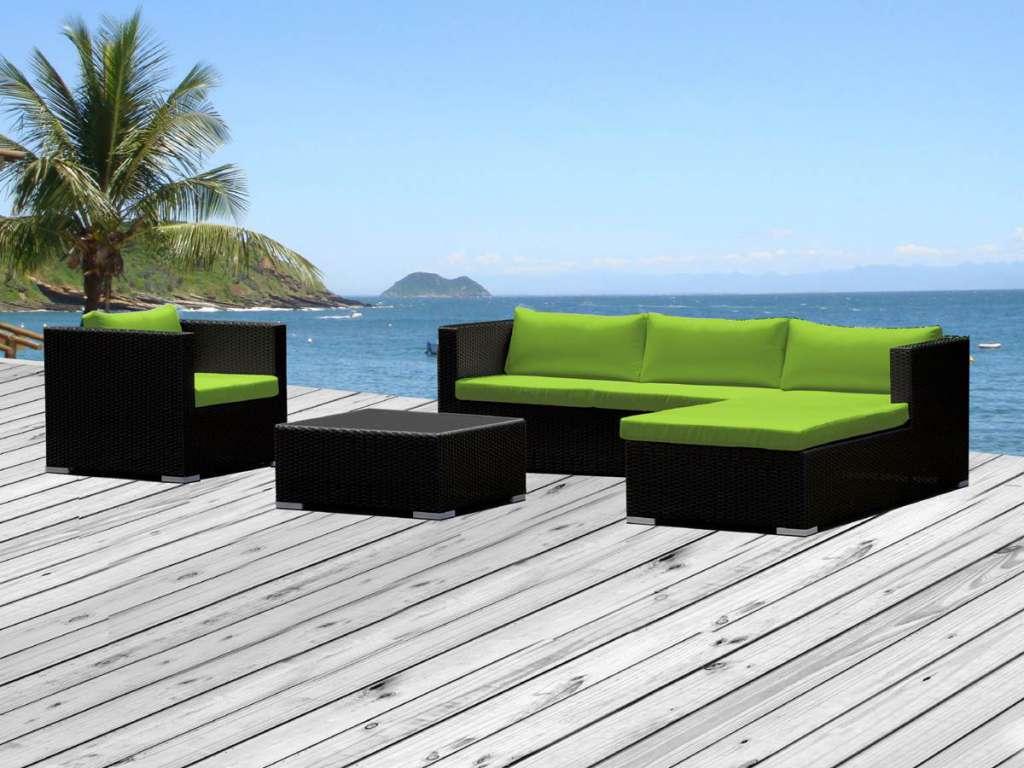 Salon de jardin avec coussins vert clair