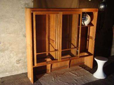 style industriel vitrine coulissante vitrinen. Black Bedroom Furniture Sets. Home Design Ideas