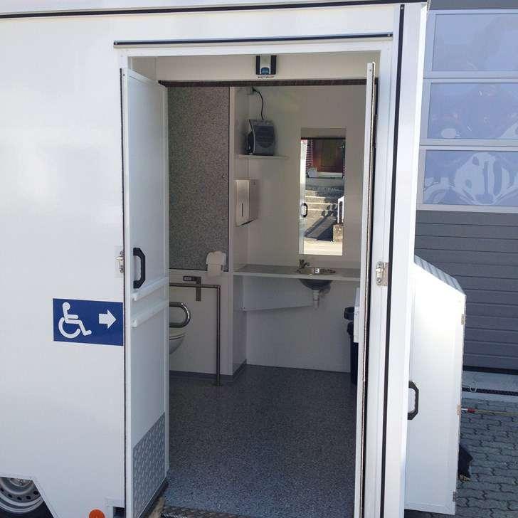 wc wagen mieten mobiles wc mobitoil toilette mieten tourismus sport. Black Bedroom Furniture Sets. Home Design Ideas