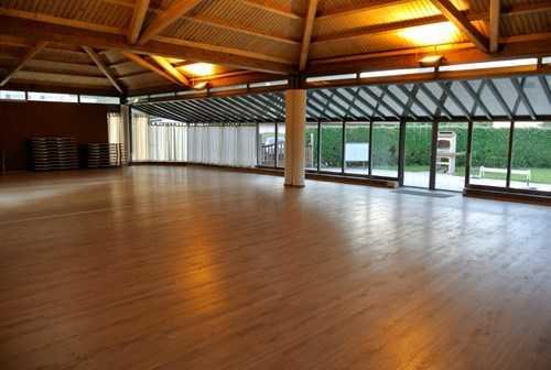 Salle polyvalente 3km d 39 yverdon immobilier locations for Sous location yverdon